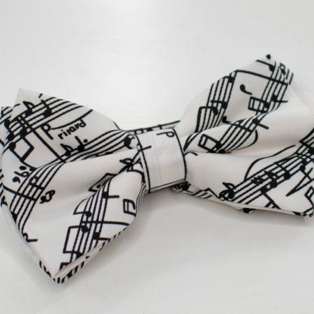 Papion alb cu partitura